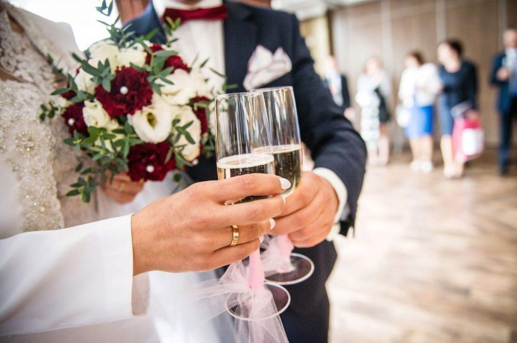 Stworzył serwis, na którym wypożyczysz partnera na wesele
